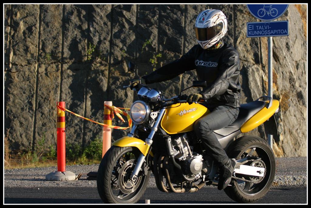 moottoripyörällä ajo talvella